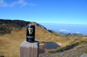 Gipfel-Bier nach 8 stündiger Wanderung (Thanks Michael!!!)