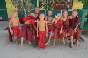 little monks in Aung Myae Oo